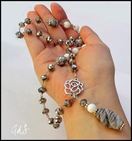 Collana rosario con pietre dure